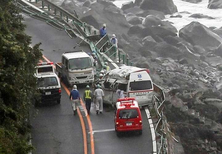 Tifón golpea fuertemente a Japón