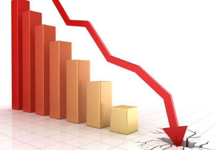 Economía con más números rojos que boletín de fracasado