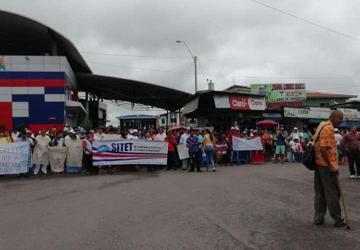 Ticos cierran frontera de Panamá con Costa Rica
