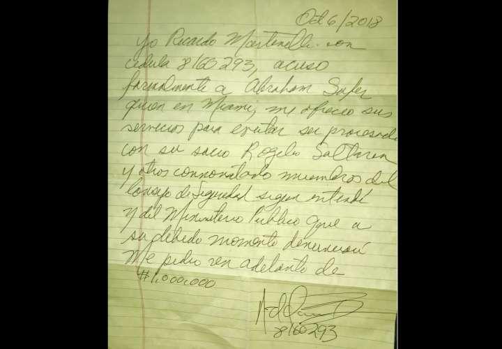 Imagen de la carta que el exmadatario Ricardo Martinlli escribió a puño y letra y a través de la cual realizó la denuncia. Foto: @sidneysittonU