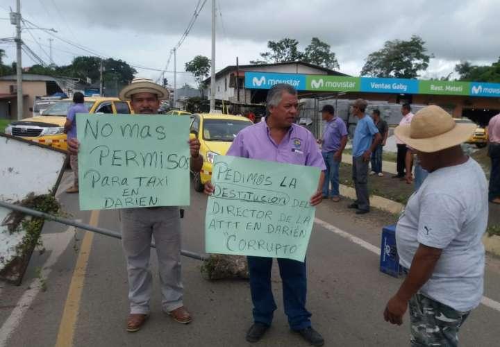 Taxistas de Oeste y Darién protestan por irregularidades en cupos