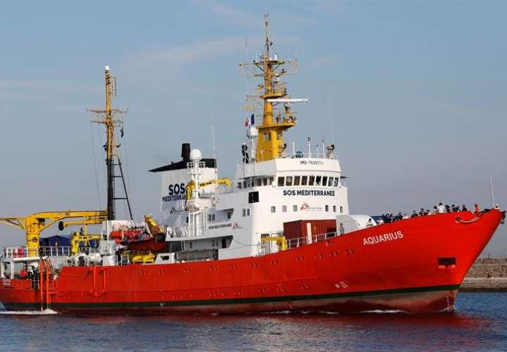 """Vista del barco de rescate """"Aquarius"""". EPA/Archivo"""