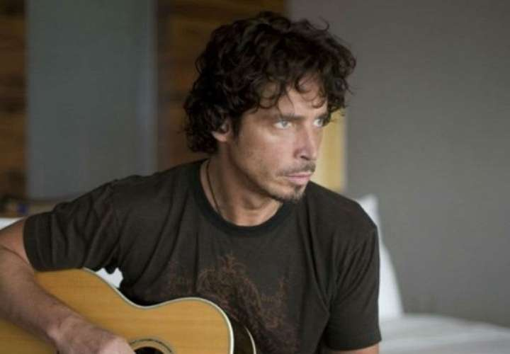 Familiares de Chris Cornell demandan a médico del rockero