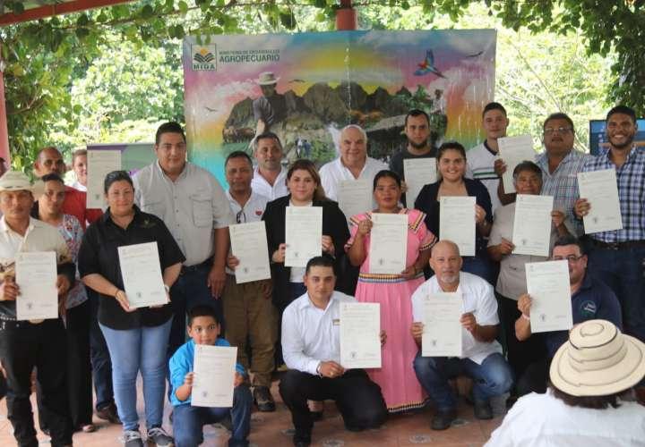 El Gobierno certifica 25 fincas agroturísticas de varias regiones de Panamá