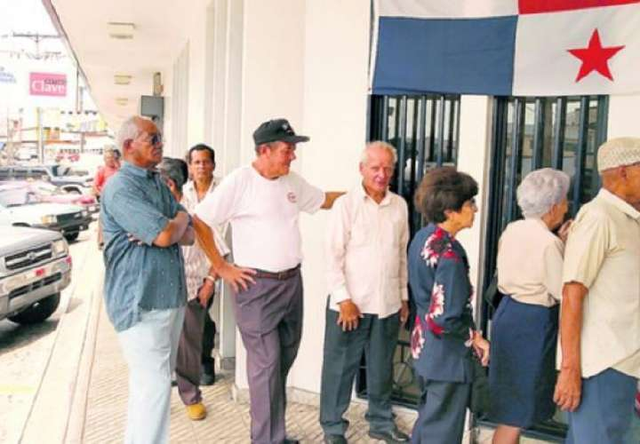 Los jubilados y pensionados deben tomar precauciones para evitar ser víctimas de estafas o saltos.