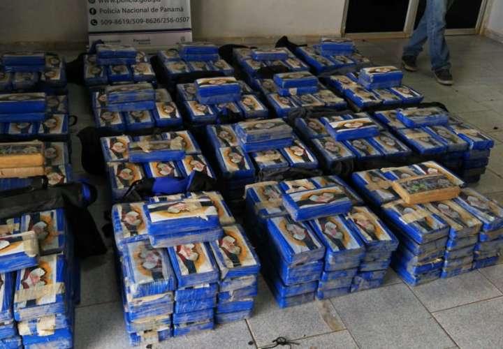Decomisan 601 kilos de droga en camión articulado