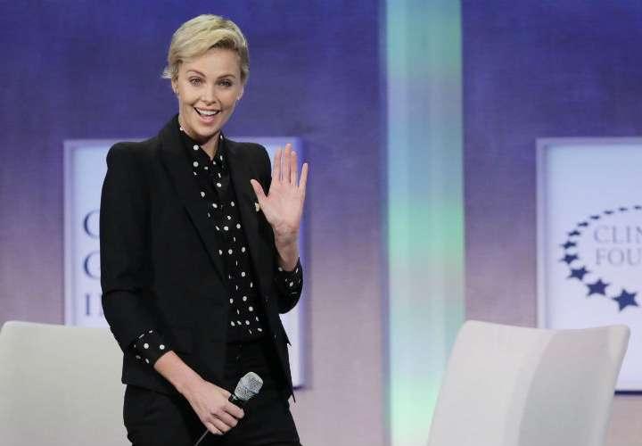 Charlize Theron, ¿la nueva pareja de Brad Pitt?