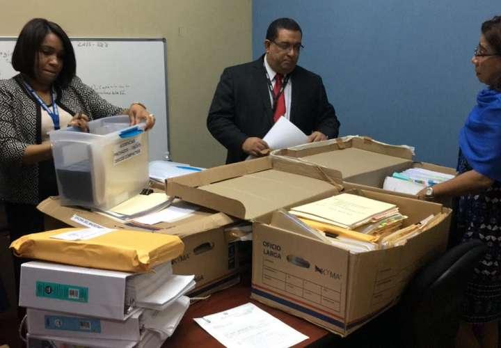 MP recibe carpetillas del proceso seguido a expresidente Ricardo Martinelli