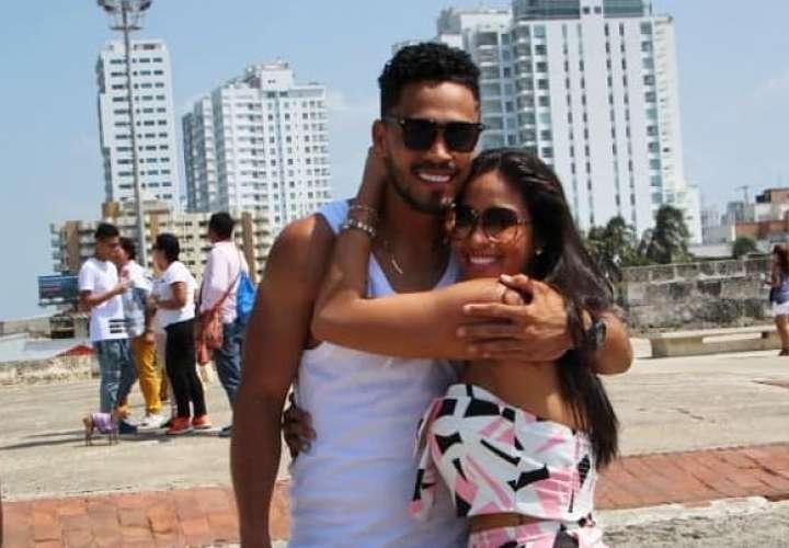 Ana Lorena y Rommelito están disfrutando su romance por Cartagena