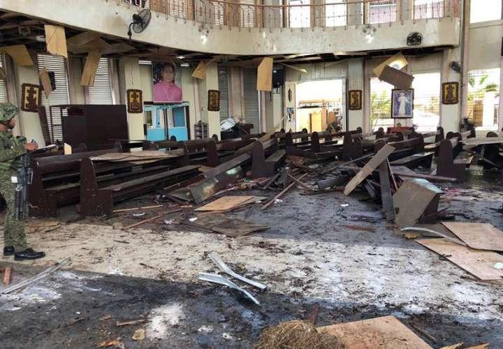 Atentado en Filipinas tras ratificar la paz deja una veintena de muertos