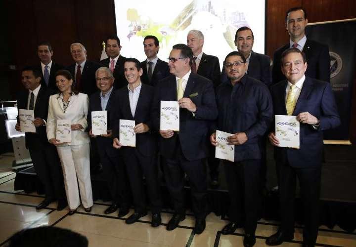 Poder económico entrega propuestas a candidatos