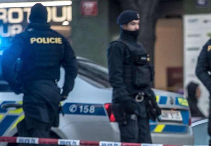Policía en escena de crimen. Foto: Ilustrativa EFE