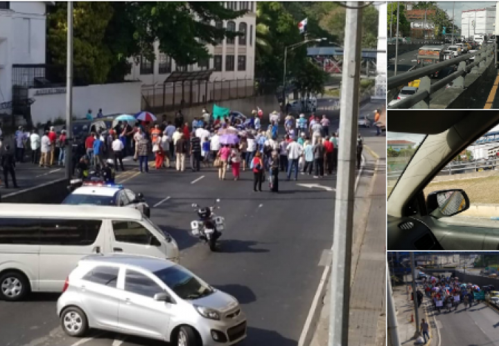 Jubilados cierran la avenida de Los Mártires y exigen su aumento