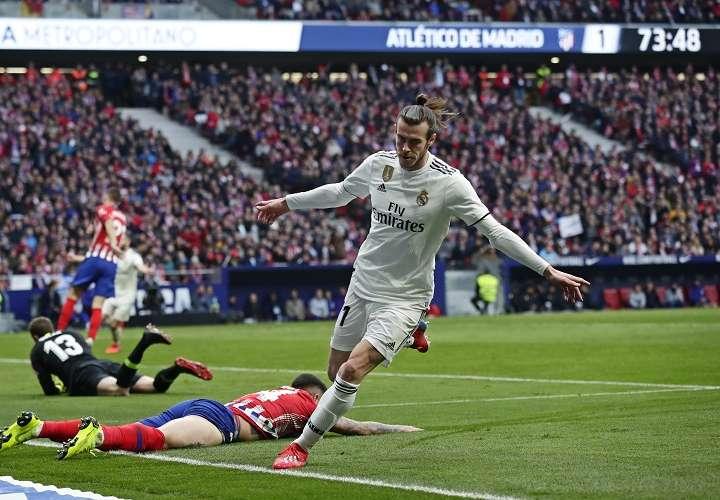 Gareth Bale festeja su anotación en el Metropolitano stadium. Foto: AP