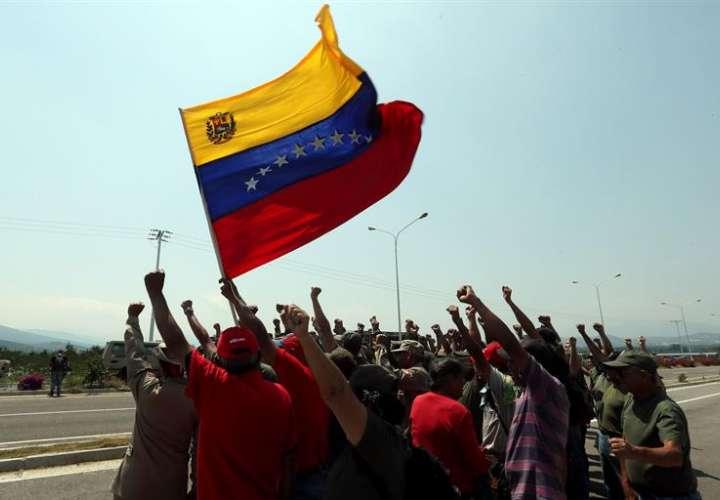 Denuncia: Gobierno de Maduro reforzó el bloqueo en puente fronterizo