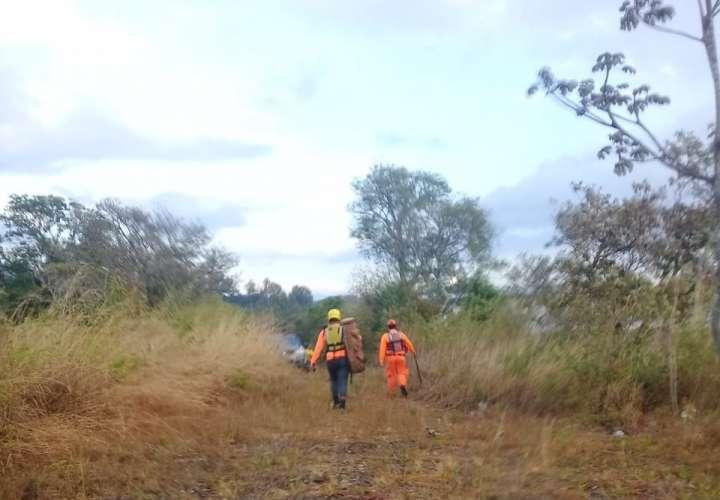 La búsqueda también se realiza en el área verde próximo a las aguas del río Caldera. Foto: José Vásquez