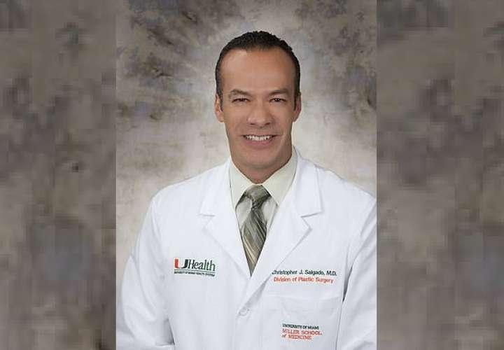 El doctor Christopher John Salgado, jefe de sección del Centro para el Bienestar LGBTQ del Sistema de Salud de la Universidad de Miami.