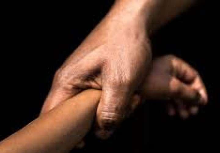 Hombre es detenido provisionalmente por violencia doméstica y maltrato a menor