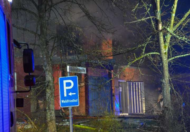En esta foto se muestra un crematorio en Schwaebisch Hall, Alemania. Un incendio en ese crematorio en el sur de Alemania ha causado daños significativos al edificio. (Koss / SDMG / dpa a través de AP)
