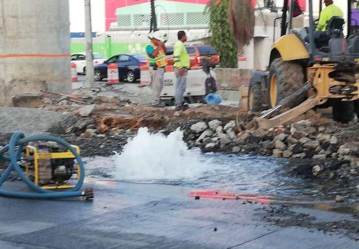Rotura deja sin agua a miles de panameños