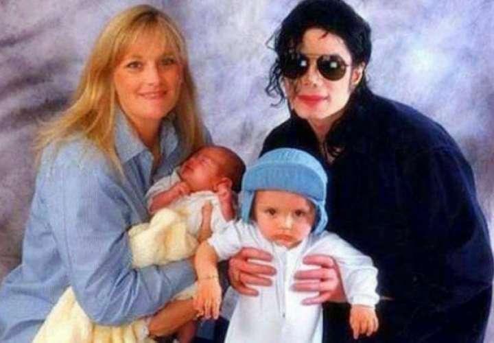Ex de Michael Jackson reveló que Prince y Paris no son sus hijos biológicos