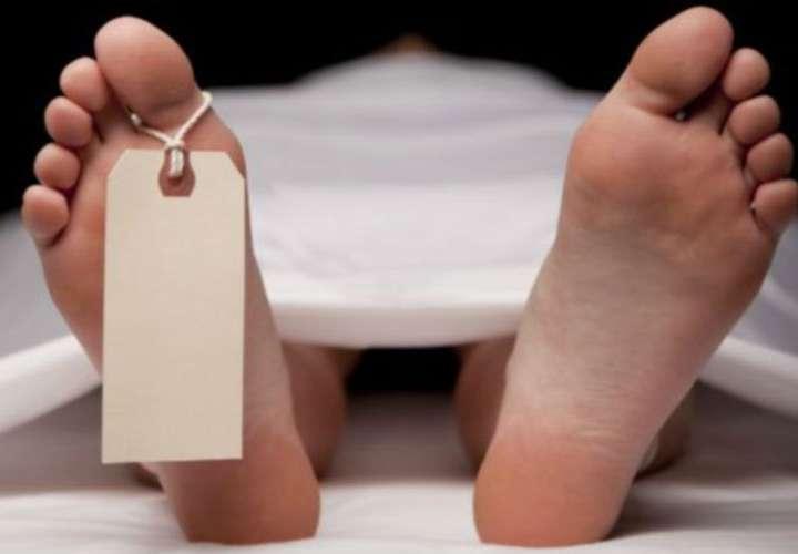 Dos adultos mayores mueren al caer de edificios, posible suicidio