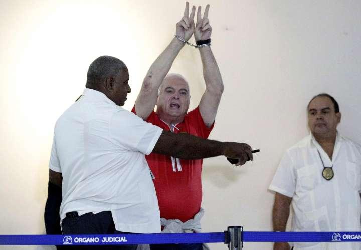 CD pide cese de acciones represivas contra expresidente Martinelli