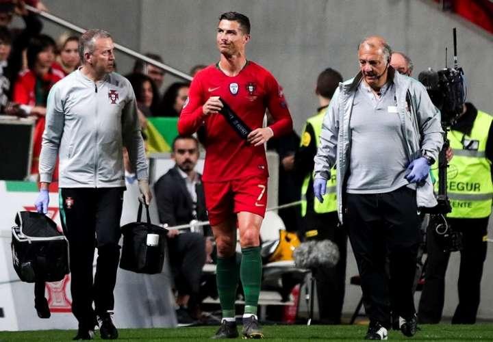 Portugal empata con Serbia y Cristiano se lesiona