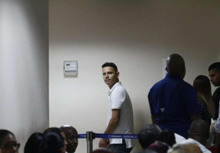 Extranjero pagará $600 para no ir a la cárcel por ejercer como falso médico