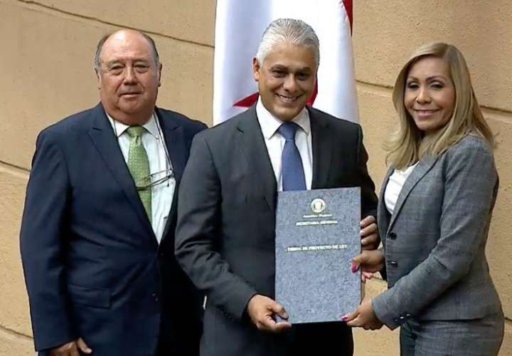 Ratifican a Jorge González como nuevo miembro directivo de la ACP
