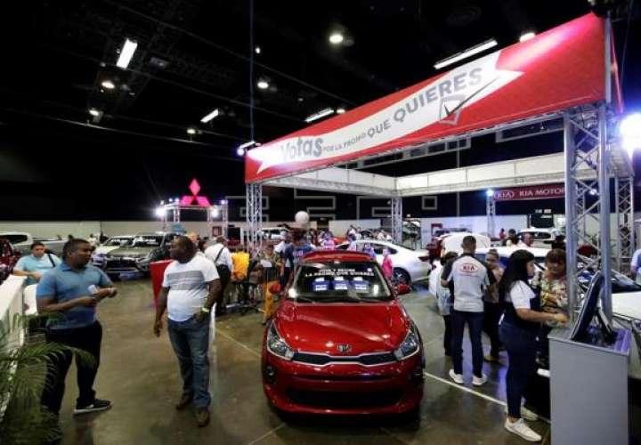 Con conectividad y espacio intentan reactivar en Panamá la venta de vehículos