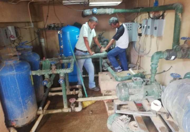 Daño en tubería deja sin agua a hospital de Chitré