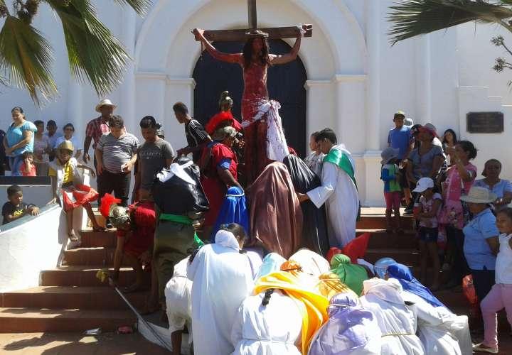 Parita y Pesé viven la Semana Santa en vivo