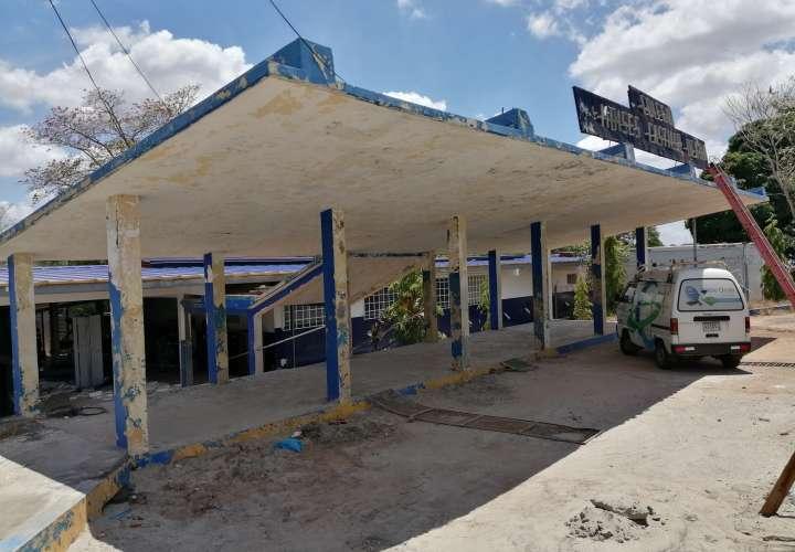 Colegio MCO el cual se encuentra en reparación por lo que la mesas de votación serán cambiada a otra escuela.