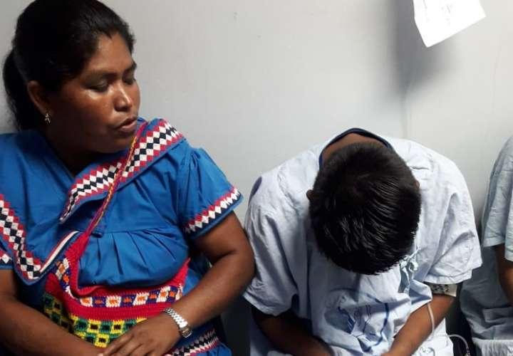 Estudiantes que cayeron de un zarzo salen del hospital