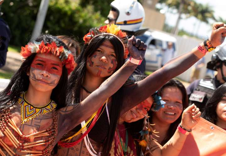 Indios toman las calles de Brasilia y concluyen protestas contra Bolsonaro