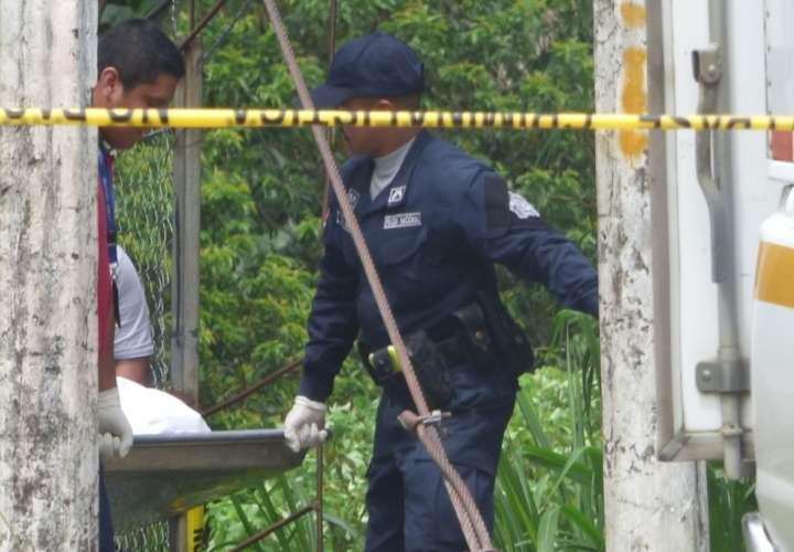 Encuentran cadáver debajo de un puente en Barú