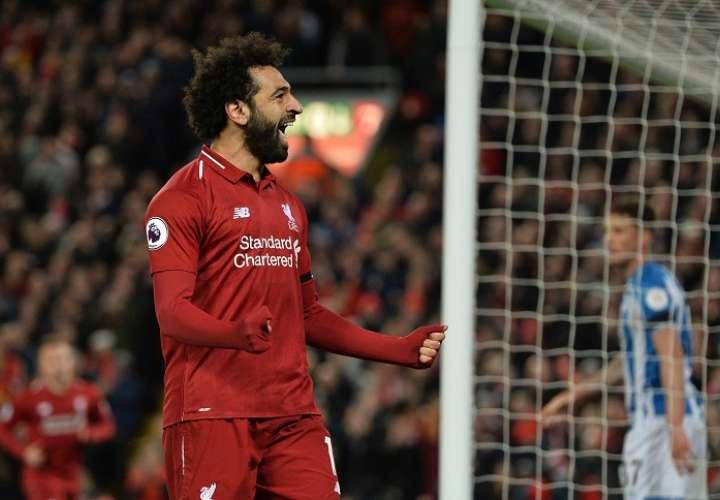 Liverpool golea al Huddersfield y recupera el liderato