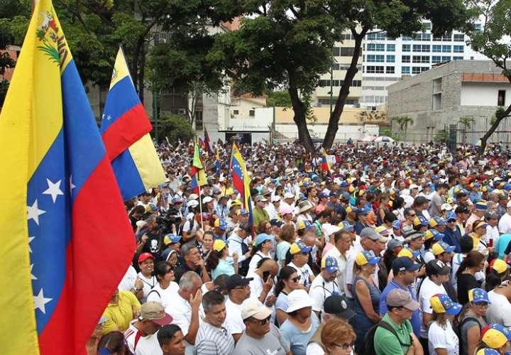 Aterriza en Caracas un avión chino con ayuda médica para Venezuela