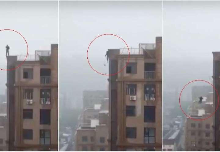 Bombay: Hombre cae al vacío desde edificio al intentar tomarse un selfi (Video)