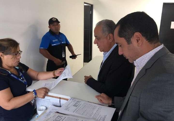 """Camacho quiere la curul de """"Pancho"""""""
