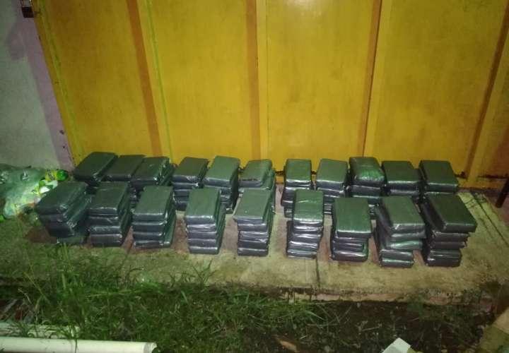 Confiscan 100 kilos de cocaína y tres extranjeros aprehendidos en La Chorrera
