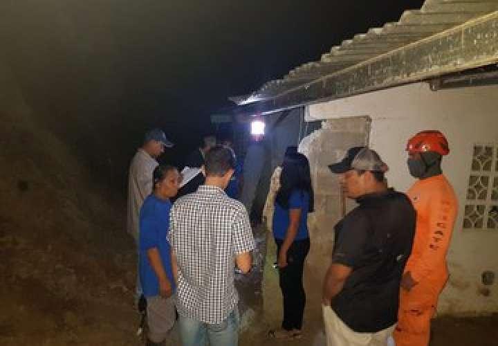 Mal tiempo causó que alud de tierra cayera sobre su casa en Coclé