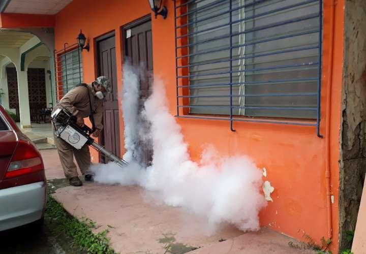 Suben casos de dengue
