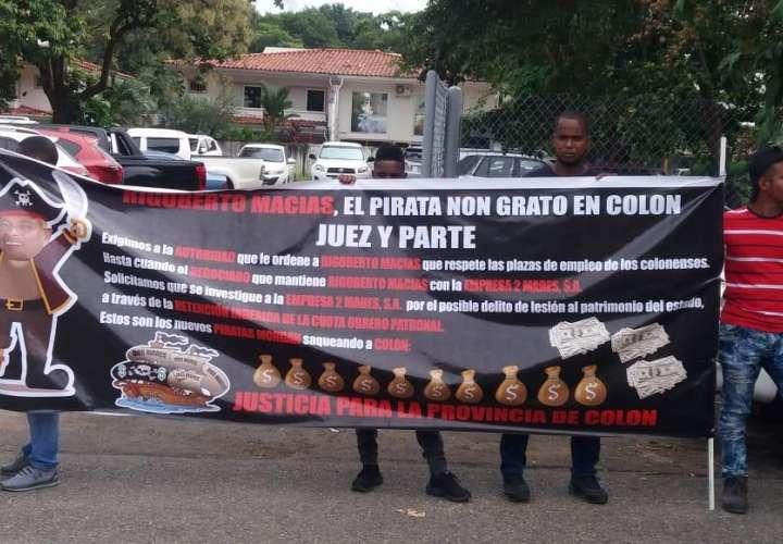 Trabajadores portuarios protestan