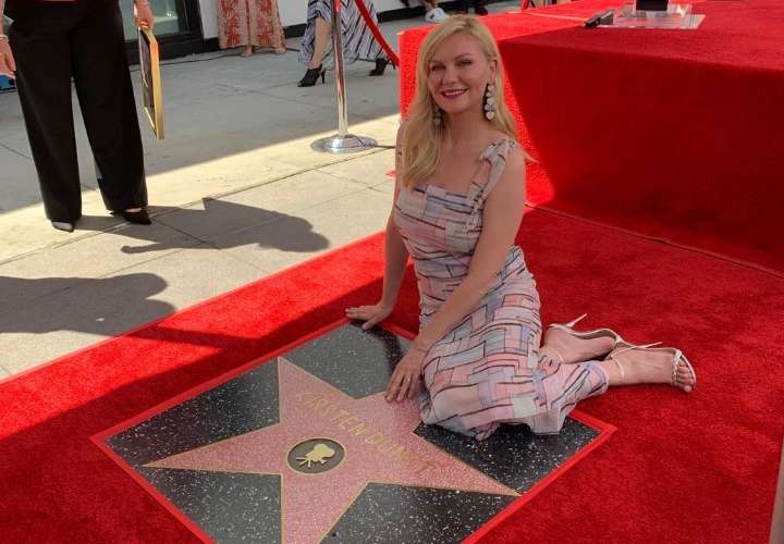 Kirsten Dunst desvela su estrella en el Paseo de la Fama