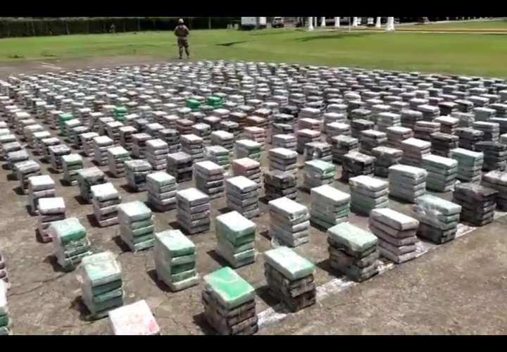 Imputan cargos a colombianos que transportaban más de 4.5 toneladas de cocaína
