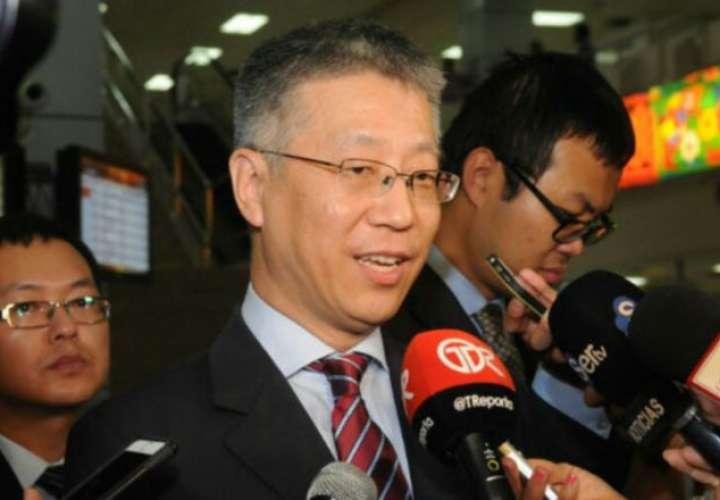 """Embajador de China denuncia """"presiones"""" sobre Panamá para enfriar sus relaciones"""