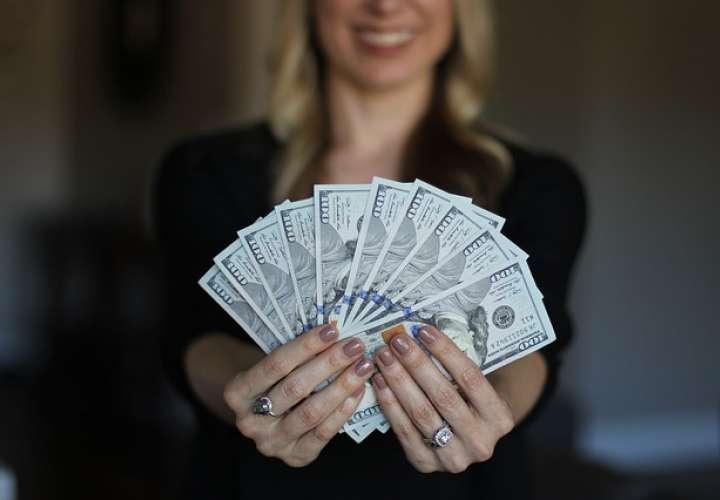 Los acusan de robo por gastar $120.000 depositados en cuenta de banco por error
