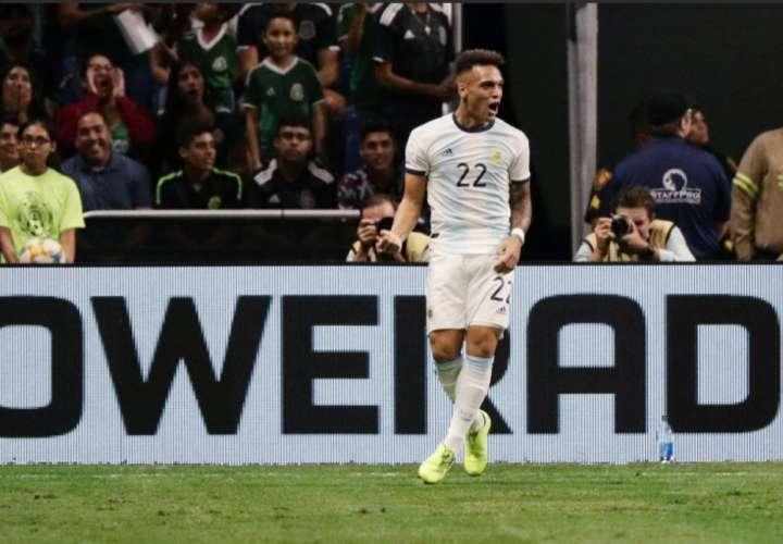 Argentina le baja los humos a la selección mexicana